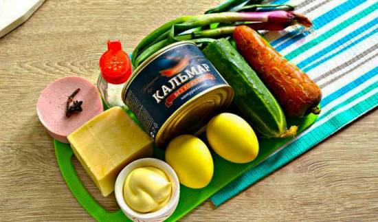 Набор ингредиентов для салата в виде хрюшки