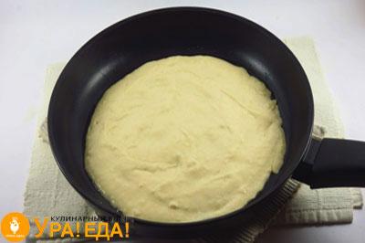 масса на сковородке