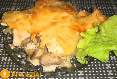 кусочек с грибами и сыром
