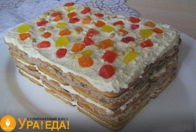 квадратный торт с цукатами