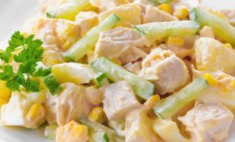классический рецепт салата курица с ананасом с фото пошагово