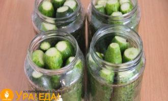 в баночках овощи