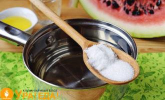досыпаем соль и сахар