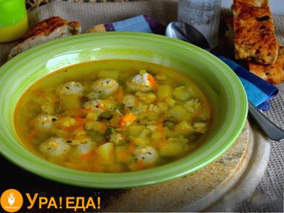 суп в зеленой чашке
