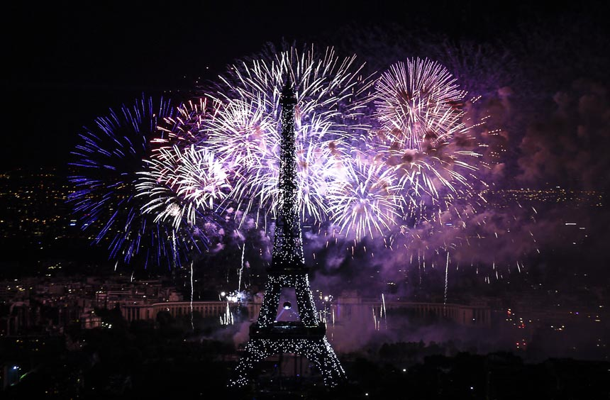 Провести новый год во Франции